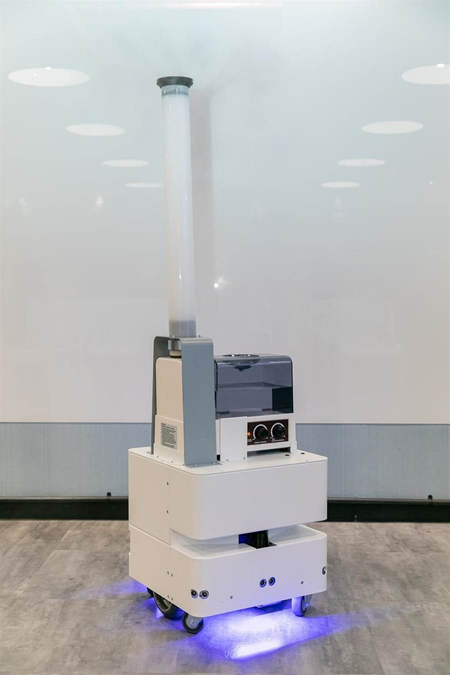 东元研发智慧UVC消毒防疫机器3日正式亮相